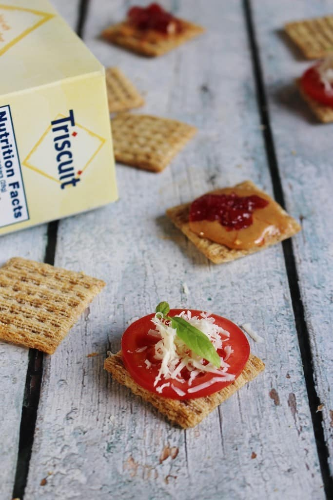 Triscuits (6)