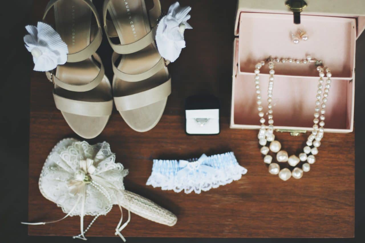 Budget Wedding - Accessories